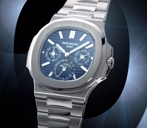 The multi-functional fake watch has steel blue dial.