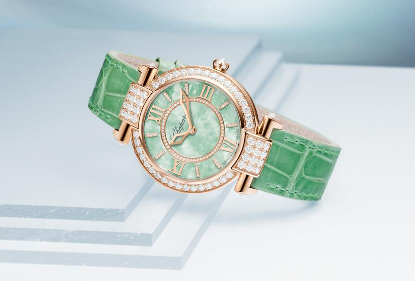 AAA replica watches are beautiful with green color.